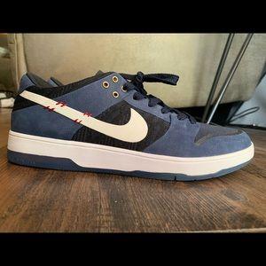 Nike SB Zoom Dunk Low Elite Sean Malto (8.5US)